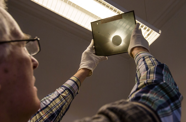 Astronomer Discovers Amazing 120-Year-Old Photographs of Space