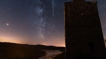 Meteor shower from Pierre-Percee lake area