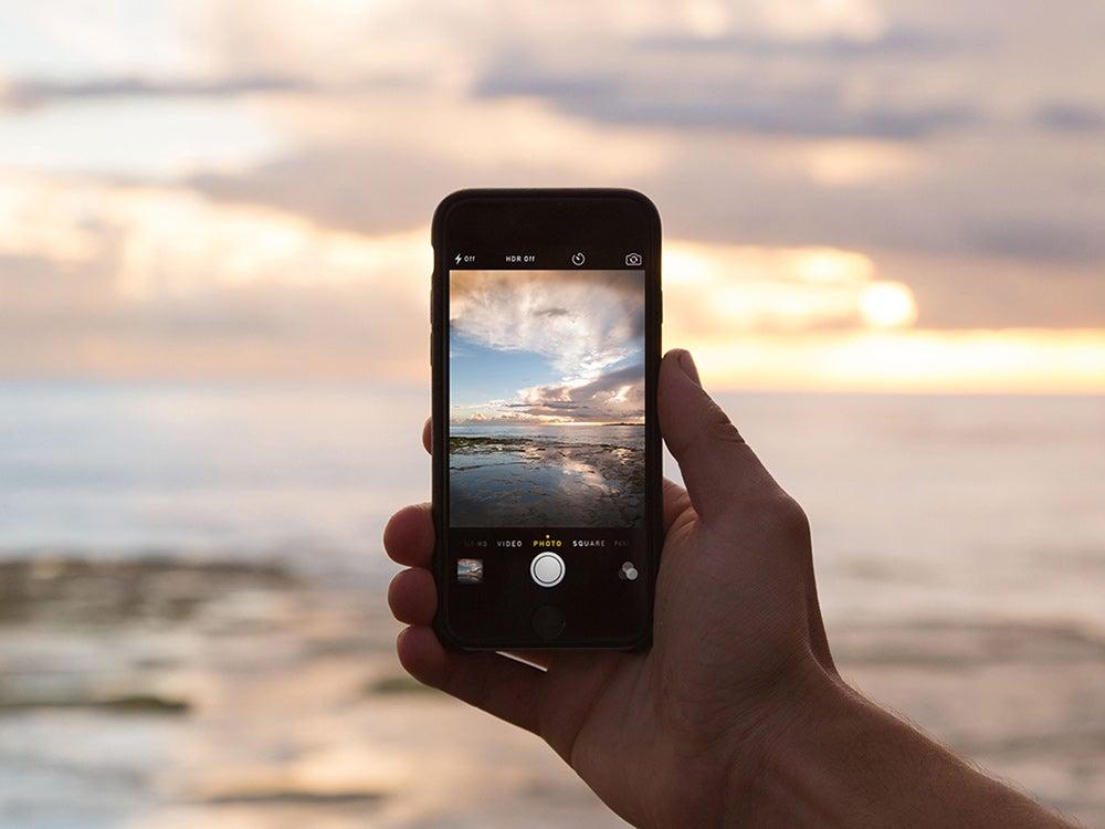 smartphone ocean picture