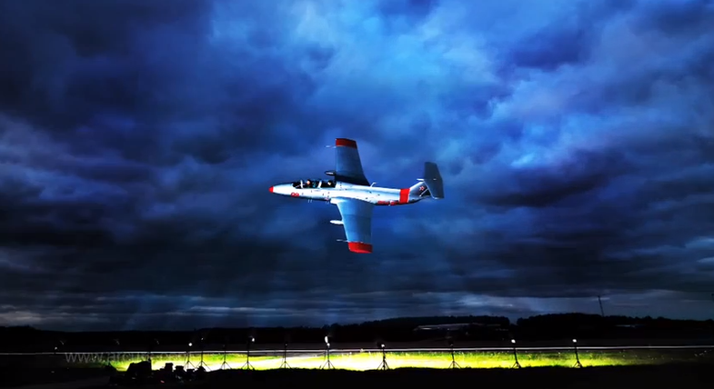 Yuri Acurs LIghts a jet plane