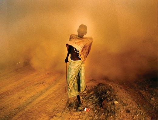 """Heroes-of-Photography-Yunghi-Kim-A-Somali-man-l"""