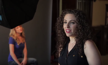 Lindsay Adler's Five Tips For Helping a Portrait Subject Relax