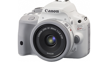 Canon Unveils a White Version of the SL1 DSLR in Japan