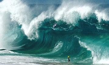 Surf Photographer Clark Little Takes Amazing Photos of Crashing Waves