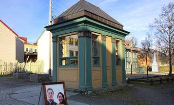"Siste Skanse Is The ""World's Smallest Instant Photo Studio"""