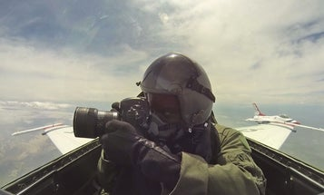 Video: This Is What It's Like to Photograph F-16 Jets Mid-Flight
