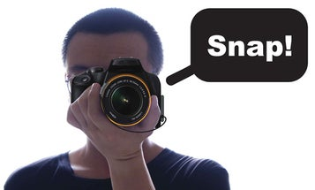 """""""One Hand Snap"""" Concept Would Let You Use a Camera With Just Your Left Hand"""