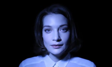 Music Video Demonstrates How Light Direction Can Transform a Face