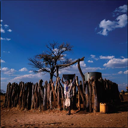 """""""Heroes-of-Photography-Brent-Stirton-A-young-girl"""""""