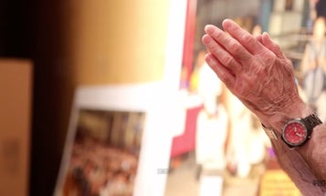 Watch This: Neal Slavin Photographs People in Prayer