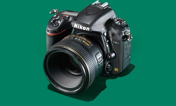 """Nikon Will Fix Any D750 With the """"Dark Band"""" Lens Flare Issue for Free"""