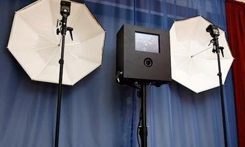 The DIY DSLR Photo Booth Has an iPad Interface