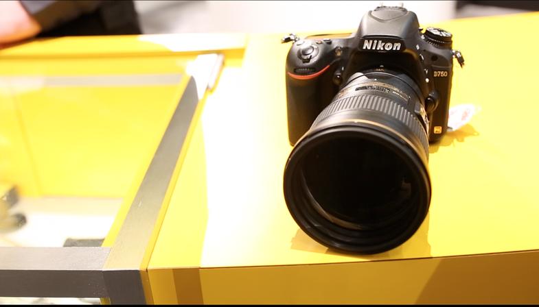 Nikon 300mm F/4E PFED VR Telephoto Lens