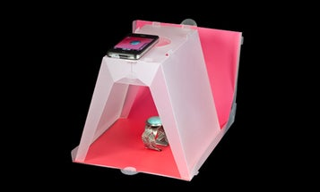 Modahaus Steady Stand 200 Is a Light Box for Compacts and Camera Phones