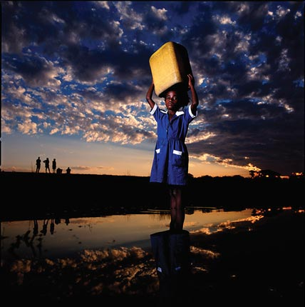 """""""Heroes-of-Photography-Brent-Stirton-A-girl-fetch"""""""