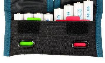 The Rogue Indicator Pouch Keeps Track of Which Batteries Are Still Fresh