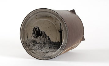 Photographer Uses Old Tin Cans for Tintype Photos