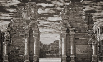 Gallery: Beautiful Infrared Photographs of Ruins