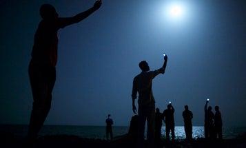 John Stanmeyer Wins World Press Photo of the Year 2013
