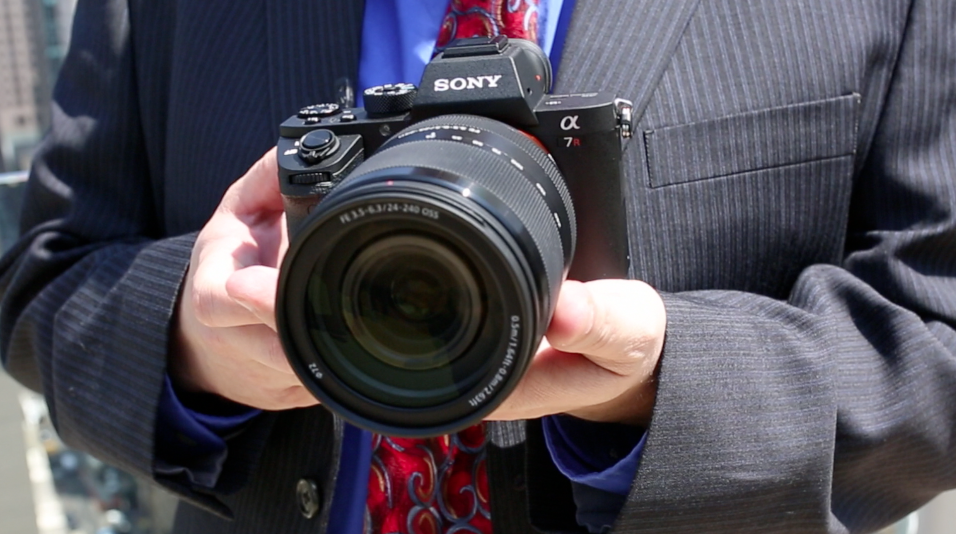Hands On: Sony A7R II, RX100 IV and RX10 II