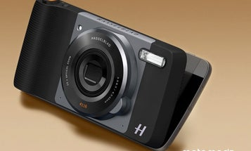 The Motorola Moto Z Smartphone Has a 10X Optical Zoom Camera Add-on Made With Hasselblad
