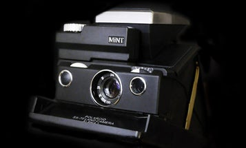 Mint SLR670-S Noir Is a Beautiful Instant Film Camera With a Big Price Tag