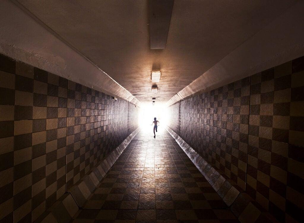 """Tunnel"""