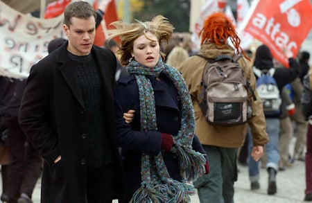 """This-image-of-actors-Matt-Damon-and-Julia-Stiles-w"""
