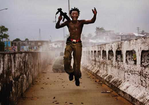 """""""Heroes-of-Photography-Chris-Hondros-Liberian-fig"""""""