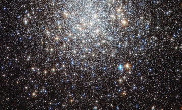 Photo: Hubble Captures the Messier 9 Cluster With More Than 250,000 Stars