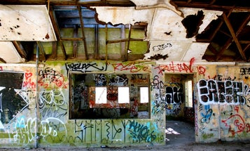 """How """"Urban Exploration"""" Almost Netted One Photographer a 15,000 Euro Fine and Jail Time"""