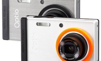 Pentax Optio RS1500 Compact Accepts Customizable Faceplates