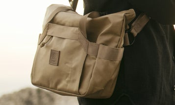 Langly Introduces Military-Grade Messenger Tote and Cross-Body Camera Bags