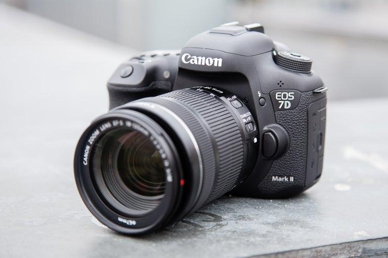 Canon 7D mark II DSLR Hands-On