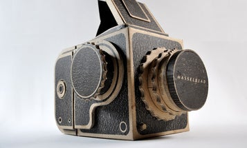 "Designer Creates a Pinhole ""Hasselblad"" Camera Out of Cardboard"