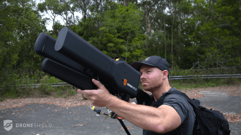 This Drone Gun Uses Radio Waves to Take Down Drones