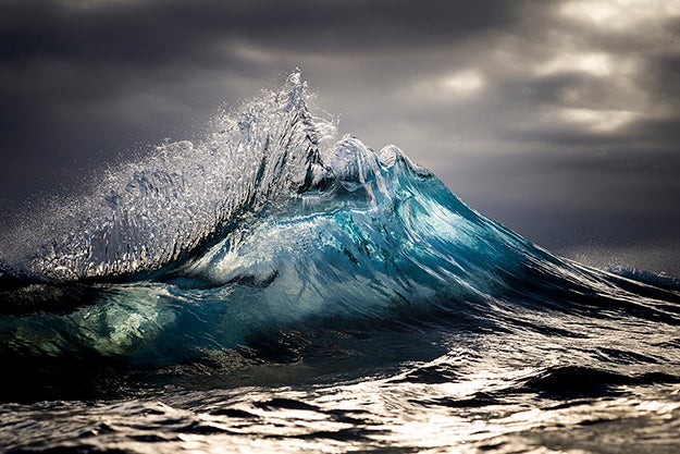 Tips From a Pro: The Enchanting Wave Photography of Ray Collins