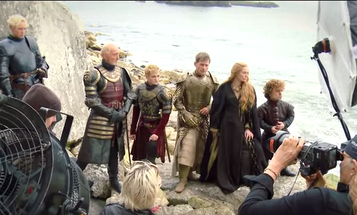 Dream Photography Assignment: Annie Leibovitz Shoots the Game of Thrones Cast for Vanity Fair