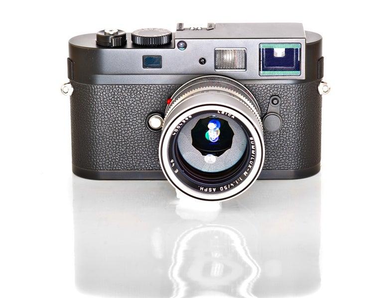 Leicabandw.jpg