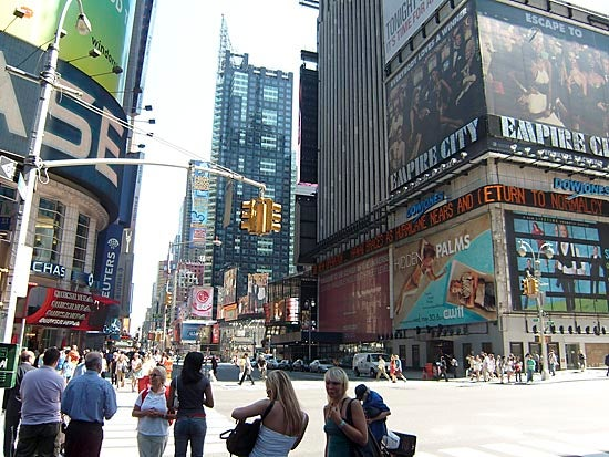 """""""Samsung-L74-Wide-There-s-a-lot-of-tourists-in-Tim"""""""