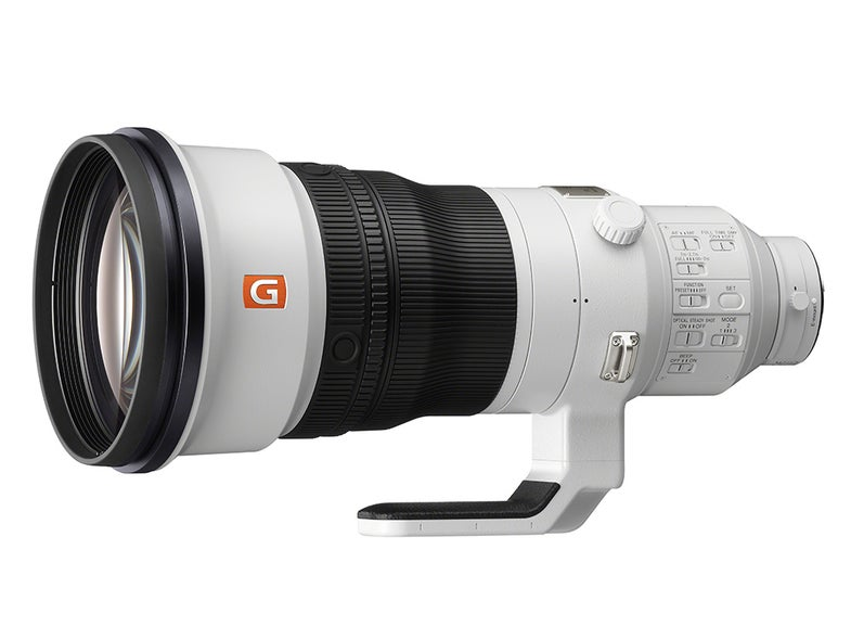 This 400mm lens from Sony is ridiculously lightweight