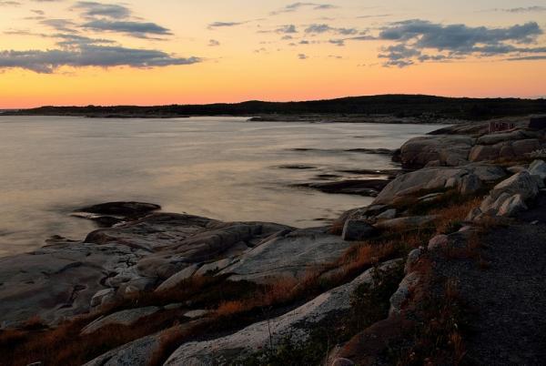 httpswww.popphoto.comsitespopphoto.comfilesimages201505kenneal_rocky_sunset_peggys_cove2_1.jpg