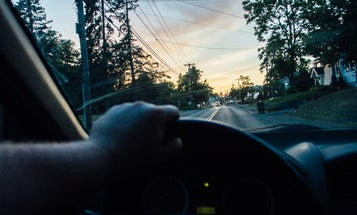 Study: Californians Take the Most Selfies While Driving, Mississippians Take the Fewest