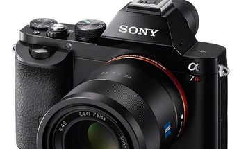 New Gear: Sony A7and A7R Full-Frame Interchangeable-Lens Compacts