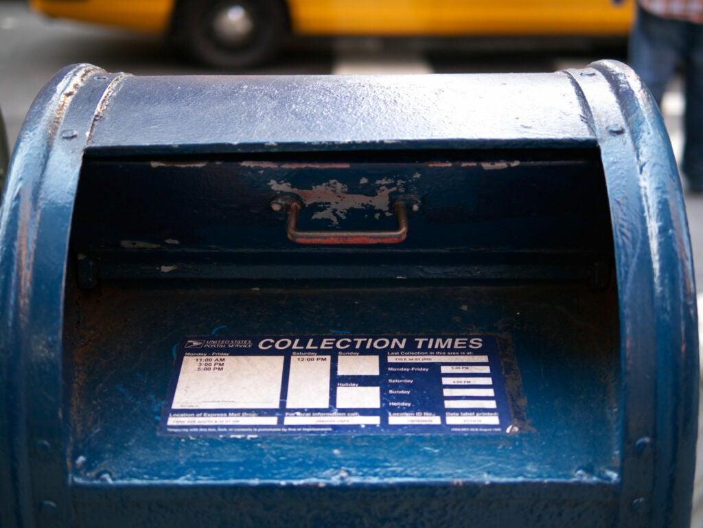 32stmailbox.jpg