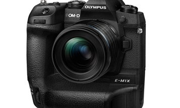 The Olympus OM-D E-M1X is a micro four thirds mirrorless aimed at sports photographers
