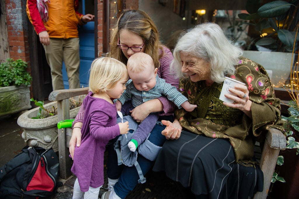 Anni Bergman with children