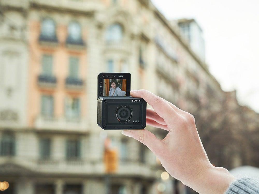 Sony RX0-II female selfie