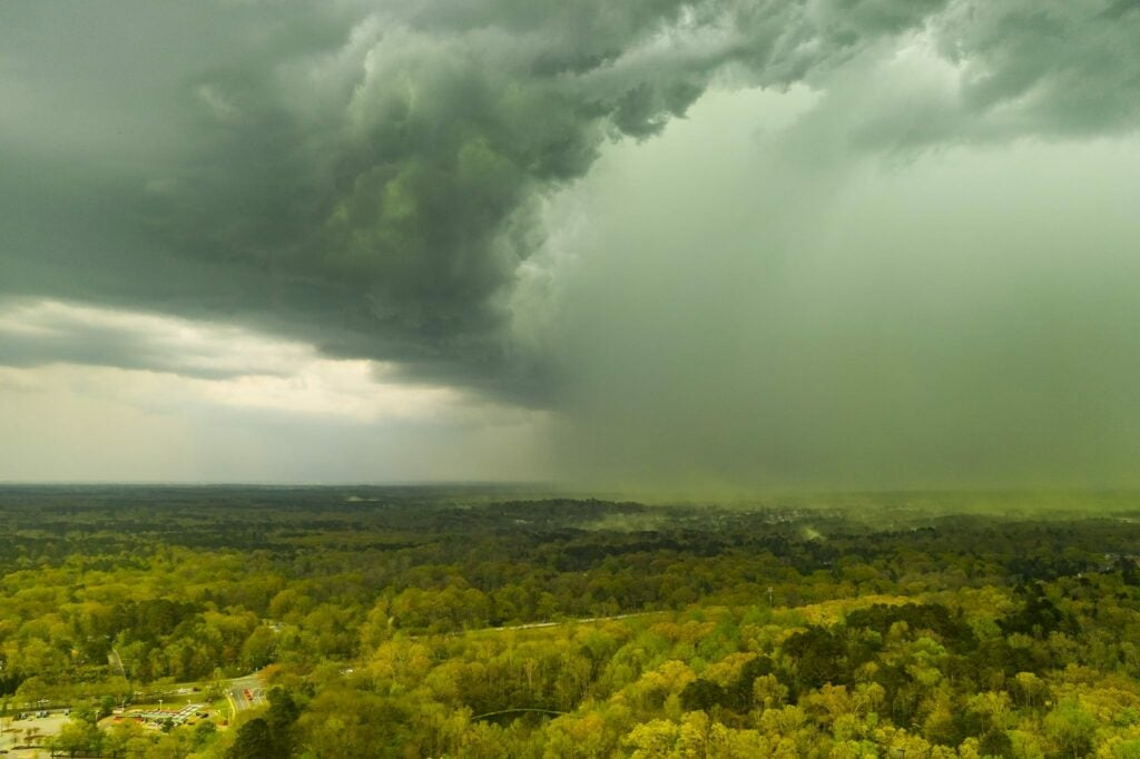 rain cloud washes away pollen