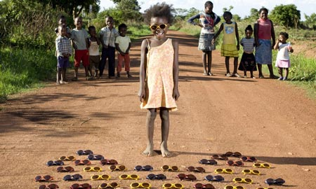 Children From Around the World, Posed With Their Favorite Toys